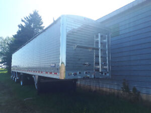 SELLING 2018 WILSON GRAIN TRAILER