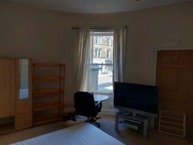 Furnished double room in shared flat- Edinburgh City Centre /Haymarket