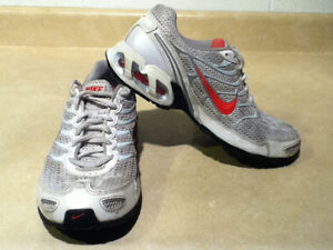 Women's Nike Air Max Torch 4 Running Shoes Size 8 London Ontario image 7