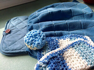 Handmade dishcloths, hot pads, tea towels & scrubbers