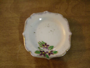 2 pieces of Miniature Dishes