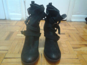 Steve Madden Yale black all leather boots,size 9M