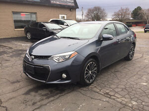 2016 Toyota Corolla S, Moonroof & backup camera. only 7,000 km!!