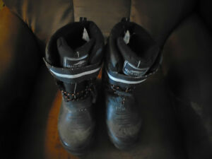 Man' Size 7 Winter Boots