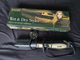 Bauer Hair dryer / brush
