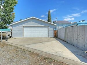 Excellent HOME with Massive GARAGE**FOR SALE**GREAT DEAL!!!!!!!!