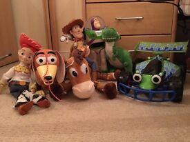 Toy Story Buzz Lightyear, Woody, Jessy, Slinky, RC and Bullseye.