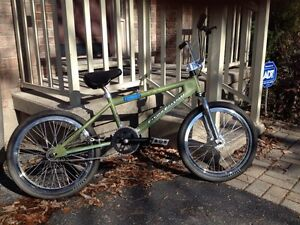Free agent Flying Fortress bmx(reduced) London Ontario image 3