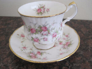 Royal Albert Tea Cup/ Saucer Sets (Page 2) Kitchener / Waterloo Kitchener Area image 3