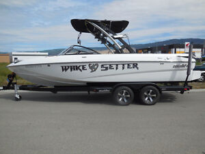 2013 Malibu Wakesetter 23 LSV - CLEAN SURF GATES 409 & 220 hrs!