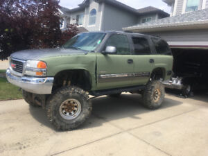 ***Lifted GMC Yukon***