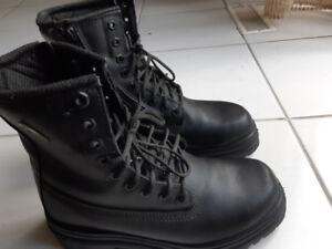 Vibram Safety Boots Size US 8.5