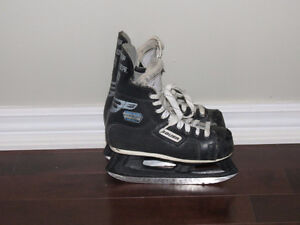 "Hockey boys skates  Bauer (length 9"" )"