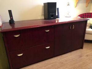Crédence à donner (Meuble de bureau avec tiroirs à 2 filières)