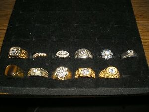 11 RINGS - LOT OF HIGH END COSTUME JEWELLERY