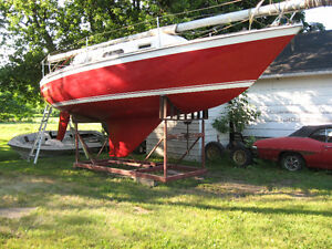 27 Ft O'Day Sailboat - Voilier - Great Opportunity - $7000 OBO