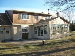 BEAUTIFULL RANCH STYLE HOME IN ALEXANDRIA. West Island Greater Montréal image 11