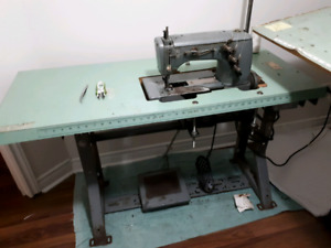 Rimoldi Industrial Coverstitch Sewing Machine