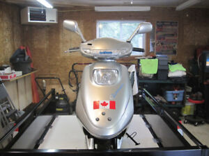 2005 49 cc Baja Scooter ($350.00/Interesting trade) Need Gone!