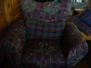 deux chaises de salon