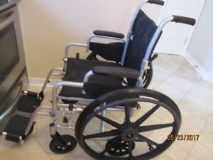 Wheelchair/transport chair, chaise roulante / transport, Drive