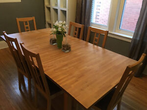 Ikea butcher block table with leaf and 6 chairs