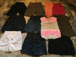 Lot of Summer Maternity Clothes - size Large