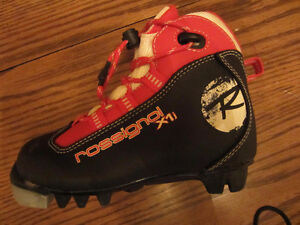 ROSSIGNOL JR x1 XC SKI BOOTS- EXCELLENT CONDITION