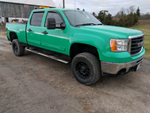 08 GMC 2500 diesel with 8' arctic snow plow