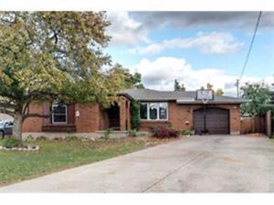 3+2 Bedroom and 2 washrooms Bungalow on Linwell and Vine