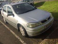 53?04 plate Vauxhall Astra 5 door silver **motd till 06/03/17**
