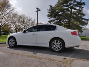2012 Infiniti G37x Sport AWD (Technology, Navigation, Sunroof)