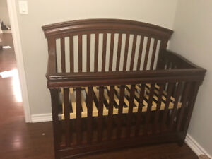 BRAND NEW! mahogany convertible crib from toys R us