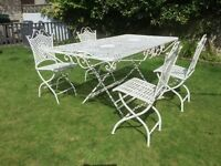 LARGE COUNTRY GARDEN TABLE WITH 4,CHAIRS.COST OVER £500 sell £170