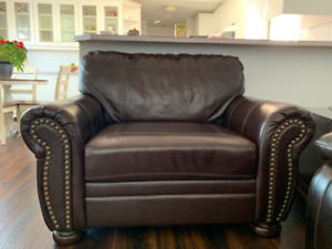 *NEW* Leather Chair