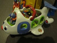 Garage ET Avion Fisher Price Little peoples (comme neuf)