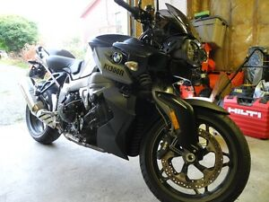 2011 BMW K1300R ...... Low Mileage...... Recent Service.....