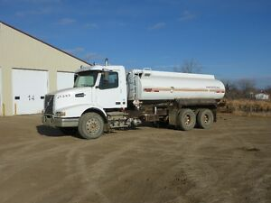 UNRESERVED PUBLIC AUCTION - HEAVY TRUCKS - FROBISHER, SK Regina Regina Area image 5