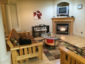 Beautifully Furnished House - 2 min from University, Whyte Ave
