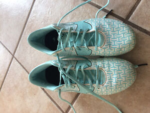 Women's size 9.5 Under Armour Cleats