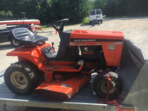 1981 Allis Chalmers lawn tractor