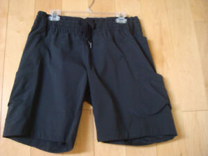 AUTHENTIC NEW WITHOUT TAGS RARE LULULEMON SHORTS