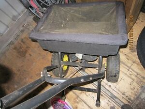 Salt spreader or fertilizer seeder Cambridge Kitchener Area image 3