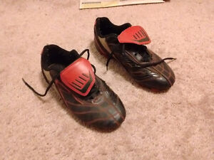 Rawlings Soccer cleats - Size 4