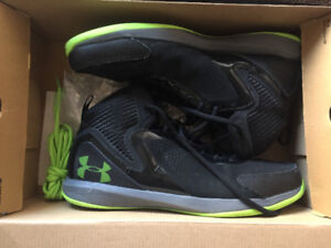 Under Armour Jet 2 Sneakers - Size 11