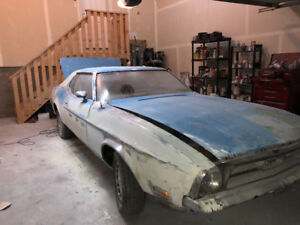 1972 Ford Mustang coupe. -offer/ trade/can paint to suit.