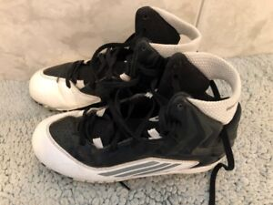 youth football cleats, size 3