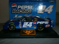 Jeff Gordon 24 Pepsi1:24 Scale Car in Case