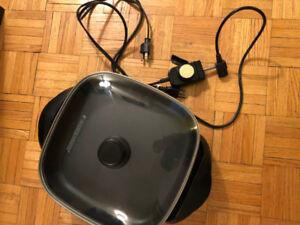 """Black and Decker 12""""x12"""" Electric Frying Pan"""