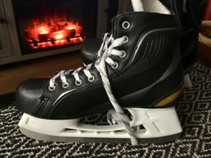 Bauers Supreme scates. Mens size 11. New.